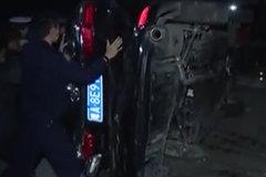 坑爹啊! 男子开父亲的重型货车撞30多辆汽车 法院判赔20万
