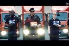 英国Warburtons面包广告 史泰龙达夫上演硬汉式诙谐