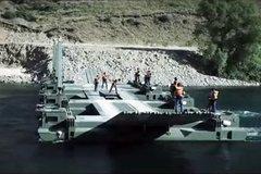部署更快捷 萨穆尔水陆两栖浮桥车