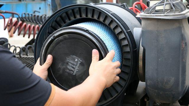 J6更换唐纳森长效空气滤清器 6万公里寿命安全又省钱