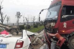 超震撼的违反交通事故 转给不遵守交规的人