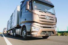 厉害了大解放 J7智能卡车上路实测