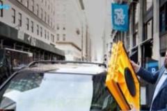 交警为整治乱停放行为发明新工具, 司机表示很无奈