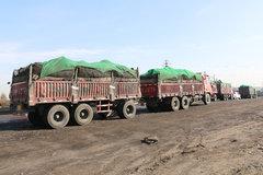 7轴车拉上百吨煤炭 这么大胆超载到底是谁的过?