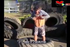 给歪果仁跪了!108斤的卡车轮胎还能这样用!