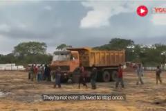 中国人在非洲招卡车司机当场考科目二,网友:太逗了哈哈哈哈哈