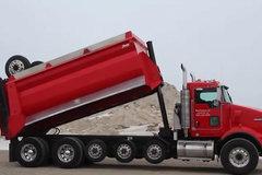 老司机都认不全系列(一):7根轴的自卸车竟只能拉26吨
