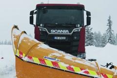 斯堪尼亚640马力除雪车 匹配电控随动转向桥