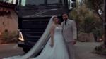 羡慕了!我也想开沃尔沃卡车娶漂亮媳妇!