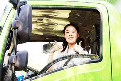 密封性太好姑娘拽不开厢门 雪洁试驾4.2米纯电动冷藏车