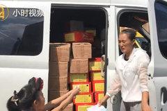 杭州母亲带着7岁女儿跑货运:不想让孩子成为留守儿童