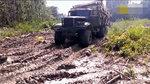 乌克兰卡车林区运木,没有道路自己开,外观破败动力不减