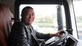 19年驾龄老司机还想奋斗八年 豪提上海首辆解放J7