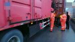 疲劳驾驶:大货车追尾大货车 司机险些魂断高速