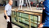 挡风玻璃也要专车专用 这里增加了一个安装孔 一定别把它装歪了