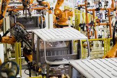 雪洁探秘跃进(二):满眼都是机器人 人工只是打辅助