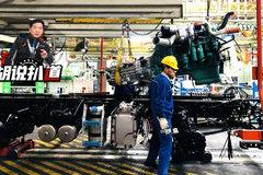 長度節拍和質控 參觀現代化卡車的生產流水線 注意看這