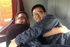 两个胖子同床共枕!只有乘龙H5能圆梦了