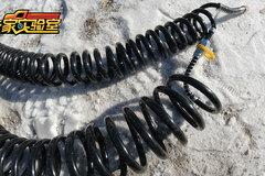 冰天雪地测试挂车螺旋气管,没想到这玩意质量差别竟这么大!