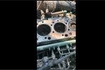 邵将修卡车:烧小油导致汽缸壁内凹,一坏就是大几万,白干了!