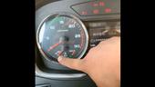 邵将修卡车:车型如出现水温表指针跳动,请检查此处线