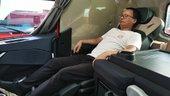 体验丨坐在副驾也能喝茶按摩 重汽TH7这副驾驶座真的爱了