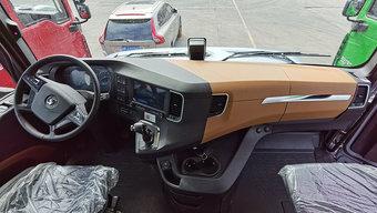 旗舰车型该有的它都有 陕汽X6000的内饰你觉得如何?