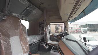 天龙旗舰驾舱再升级 堪称移动的两居室!