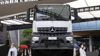 456马力德国进口奔驰Arocs 开它下工地是啥体验?