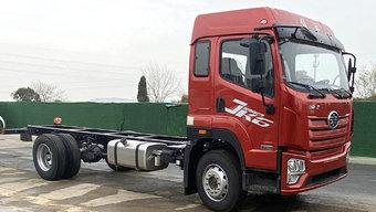 220马力总质量18吨 5米8的解放JK6拉水产很不错