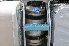 解放自主气驱尿素罐竟是这样换滤芯 掌握方法更省钱!