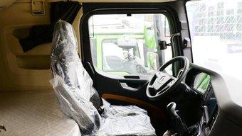 全液晶仪表+高配座椅 陕汽X6000内饰竟如此豪华!离进口车还有多远