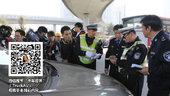 《大车小事》交警执法再惹争议 水浇刹车遭整改
