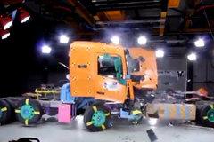 实拍沃尔沃生产车间,安全系数极高的重卡是如何制造