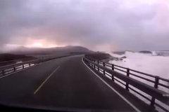 世界上最危险公路 敢走的人得有多勇敢