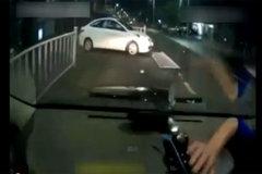 行车记录仪拍下的女司机! 不要走进我这个圈啊!