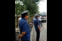 路政开报废车上路查车  被卡友抓了现行!