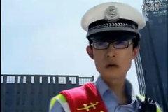 能让警察彻底发疯的极品中国女司机!