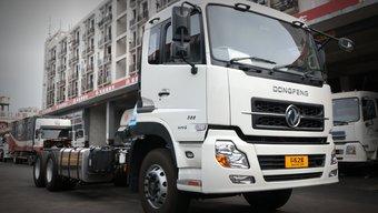 右舵天龙卖到香港 前二后八配1200L超大油箱