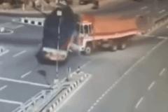 高速出口要提前避险!一个极易出事故的地方