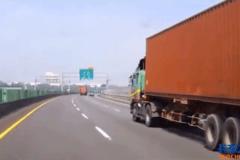 国内最新大货车意外视频集锦
