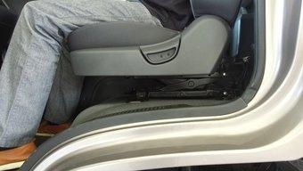 让车震更安逸 设计师给轻卡装上减震座椅