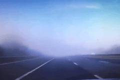 在高速公路上如果遇到这种情况,千万不要再往前开了